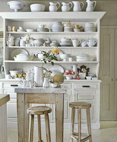 Úchvatná sbírka bílého nádobí..... Líbí! pinned with Pinvolve