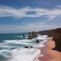 그레이트 오션로드의 12사도바위. 현재 풍화작용으로 남아 있는 것은 8개이다. 12 Apostles Great Ocean Road #12사도바위 #그레이트오션로드 #멜버른 #풍경 #바위 #자연 #파도 #명소 #호주 #호주여행 #오스트레일리아 #여행 #여행스타그램 #여행에미치다 #12apostles #greatoceanroad #rock #wave #landscape #nature #natural #melbourne #australia #travelholic #travel #travelling #famous by bona_jung http://ift.tt/1ijk11S