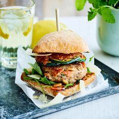 Hamburger Hotdogs, Parmesan, Salmon Burgers, Finger Foods, Food Inspiration, Main Dishes, Brunch, Yummy Food, Eat