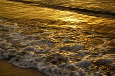 Waves on the beach at sunset by Steeve Dubois Romantic Weekend Getaways, Romantic Vacations, Waves On The Beach, Tropical Background, Beautiful Beaches, Romance, Sunset, Romance Film, Romances