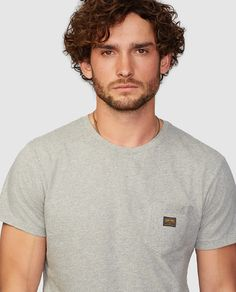 Camiseta de hombre de manga corta gris