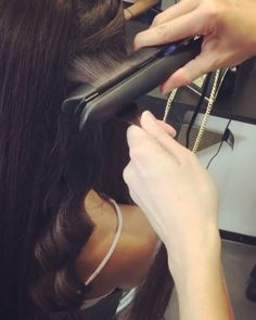 Waves for days - get the perfect curls using ghds platinum+ styler