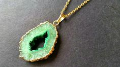 OOAK 1 Piece of Pastel Green Agate Druzy Geode Slice Pendant / 14K Golden Plated Edged / 14K Gold Plated Necklace (Erfen) (14-12-13)(tu)
