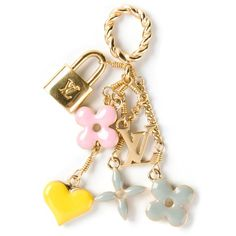 LOUIS VUITTON VINTAGE charm pendant ($340) ❤ liked on Polyvore featuring jewelry, pendants, accessories, necklaces, lock charm, flower charms, twist jewelry, charm pendant and cross charms