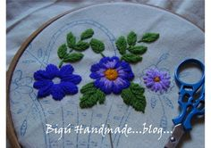 Bigú Handmade:hilo acrilico de tres hebras porque es para uso diario Embroidery Stitches Tutorial, Hand Embroidery Patterns, Embroidery Designs, Mexican Embroidery, Wool Embroidery, Brazilian Embroidery, Bargello, Needlework, Sewing Projects