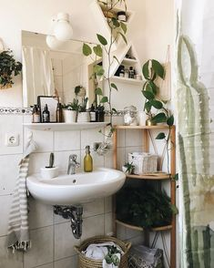 10 Elegant Bathroom Home Decor Ideas to Improve Easily in Your House www. 10 Elegant Bathroom Home Decor Ideas to Improve Easily in Your House www.goodnew… 10 Elegant Bathroom Home Decor Ideas to Improve Easily in Your House www. Sweet Home, Ideas Baños, Decoration Inspiration, Decor Ideas, Green Decoration, Beautiful Decoration, Home Decoration, Style Inspiration, Farmhouse Side Table
