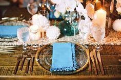 Guardanapo azul mesa dos convidados