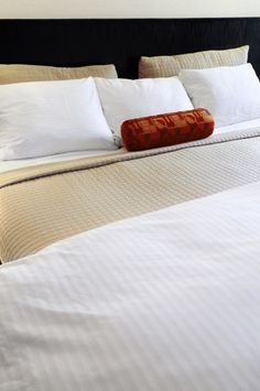 At this time of year, it's all about the bed. Whether you are considering a weekend getaway to a fancy hotel or a quiet Valentine's Day celebration at home, a