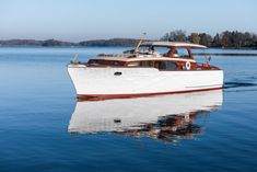 Classic Boats For Sale, Classic Yachts For Sale, Classic Wooden Boats, Yacht For Sale, Cruiser Boat, Cabin Cruiser, Chris Craft Wooden Boats, Ski Nautique, Duck Boat Blind