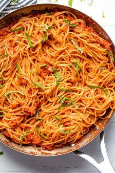 Easy Pasta Dishes, Easy Pasta Recipes, Spaghetti Recipes, Easy Meals, Recipes With Leftover Pasta, Angel Hair Pasta Recipes, Pasta Sauce Recipes, Recipe Pasta, Gourmet Recipes