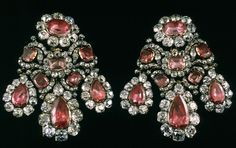 Jewelry of Empress Catherine II. Earrings in silver, diamonds, spinels, gold. 11.5 x 11 cm 1764. Master Leopold Pfisterer.