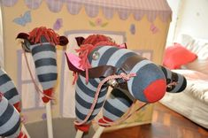 DIY Stick Horses « Babyccino Kids: Daily tips, Children's products, Craft ideas, Recipes & More