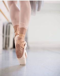 Capability put on and party costumes qualities on-trend styles for those genres of dance. Ballet Feet, Ballet Dancers, Dancers Feet, Shall We Dance, Just Dance, Dance Photos, Dance Pictures, Pointe Shoes, Ballet Shoes
