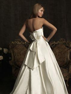 Allure Bridal Style 8919 Wedding Dress, Back