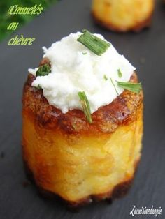 Apéros cakes salés: Exquisite and easy goats' cheese cakes Cheese Appetizers, Appetizer Recipes, Snack Recipes, Snacks, Tapas, Appetisers, No Cook Meals, Buffet, Love Food