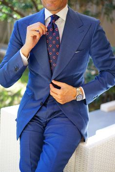 Learn to live in Style. Mens Fashion Suits, Mens Suits, Italian Style Suit, Formal Suits, Men Formal, Formal Dress, Paisley Tie, Classy Men, Classy Suits