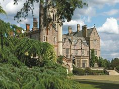 East Horsley De Vere Venues Horsley Park United Kingdom, Europe Ideally located in the prime touristic area of East Horsley, De Vere Venues Horsley Park promises a relaxing and wonderful visit. The hotel offers guests a range of services and amenities designed to provide comfort and convenience. Take advantage of the hotel's free Wi-Fi in all rooms, grocery deliveries, taxi service, 24-hour front desk, facilities for disabled guests. Designed for comfort, selected guestrooms o...