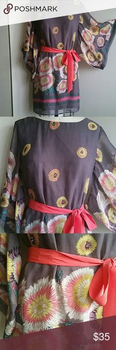 """Karlie Boutique Kimono Sleeve Sheath M Kimono sleeve, shear material with lining, back button closure with 11"""" long oval opening. Length 33"""", armpit to armpit 20.5"""", waist 18.5"""", hips 19.5"""" EUC. Karlie  Dresses"""