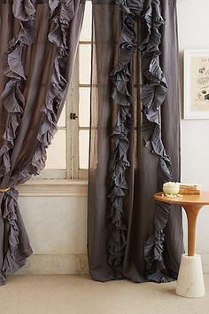 Gorgeous pleated curtains http://rstyle.me/n/fdkvrnyg6