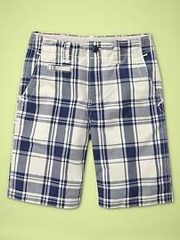 I may be a girl but in the summer i live in plaid men's shorts. So comfy. plus i'm a little too fat for booty shorts Plaid Shorts, Patterned Shorts, Men's Shorts, Gap Kids Boys, Kids Corner, Stylish Kids, Blue Plaid, Little Babies, Flannel Outfits
