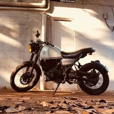 Image may contain: motorcycle Himalayan Royal Enfield, Bullet Motorcycle, Bullet Bike Royal Enfield, Royal Enfield India, Camping Wallpaper, Royal Enfield Modified, Bike Drawing, Bike Photography, Cool Bike Accessories