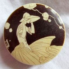 Lovely Vintage Stylish Art Deco Ladies Compact Powder Pot