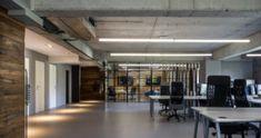 UBER - amenajare spațiu comercial - Roomzia - Design Interior Online Interiors Online, Uber, Conference Room, Interior Design, Table, Furniture, Home Decor, Nest Design, Decoration Home