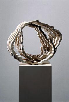Werner MALLY (Czech-German: 1955) Skulptur - Helix Bronze Sculpture, Sculpture Art, Artistic Installation, Art Object, Art Pieces, Contemporary Art, Art Drawings, Art Prints, Fine Art