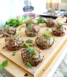 Turkey Quinoa Muffins - healthy and you can make a big batch at the beginning of each week and eat them for lunch or dinner with a salad.