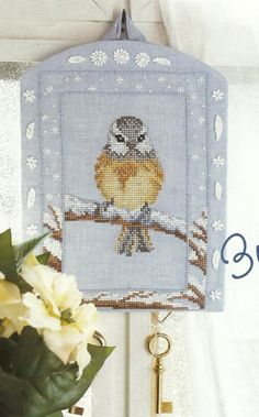 Bird in Winter  - I have this pattern in one old Susanna Magazine and I'll try... one day...