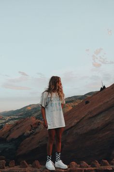 ★☆hhannahlarsen☆★ You are in the right place about vsco outfits sweaters Here we offer you the most Surfergirl Style, Trendy Outfits, Cute Outfits, Teen Fashion Outfits, Modest Fashion, Shotting Photo, Granola Girl, Good Vibe, Insta Photo Ideas