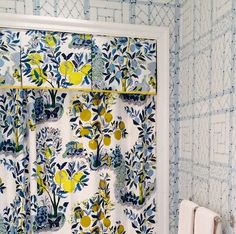 File this under...pattern ideas to steal. @McCannDesignGroup doubles up on prints, including our smile-inducing Citrus Garden, in this powder room. Now, it's your turn. Show us how you're using #CitrusGarden and your other Schumacher favorites with #Schustagram.