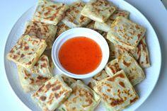 Ellouisa: Loempiapakketjes Tapas, Hummus, Waffles, Side Dishes, Food And Drink, Snacks, Sweets, Lunch, Bread