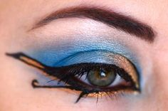 Egyptian Make-Up. Nice idea for Halloween or parties ! Plus