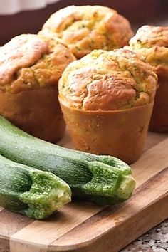 It's zucchini season, so what better time than right now to make my zucchini muffins? Zucchini Muffins are very. Gluten Free Zucchini Muffins, Zucchini Muffin Recipes, Healthy Muffin Recipes, Healthy Muffins, Savory Snacks, Yummy Snacks, Savoury Muffins Vegetarian, Yogurt Muffins, Brunch Recipes