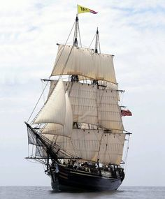 The Friendship of Salem is a 171-foot replica of a 1797 East Indiaman, built in the Scarano Brothers Shipyard in Albany, New York, in 2000.