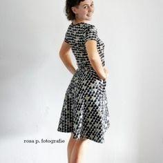 dots | | rosa p. Short Sleeve Dresses, Dresses With Sleeves, Dots, Fashion, Sew Dress, Curve Dresses, Stitches, Moda, Sleeve Dresses
