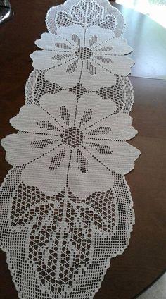 Diy Crafts - Her Crochet Crochet Diagram, Filet Crochet, Crochet Patterns, Crochet Table Runner Pattern, Crochet Tablecloth, Lace Doilies, Crochet Doilies, Couching Stitch, Diy Crafts Crochet