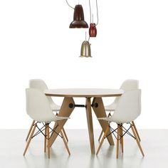 Merveilleux Fancy   Eames Eiffel Chairs