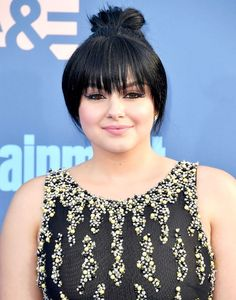 Review, Hairstyle Trend 2016, 2017, 2018: Ariel Winter Clip-In Bangs, Critic's Choice Awards, Hairdo