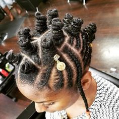Bantu knots are a protective hairstyle. They look like mini twisted buns. Bantu knots come to us from South Africa. The hairstyles that hail from there are truly magnificent. We've complied some awesome bantu knots hairstyles for you. Bantu Knot Hairstyles, Reign Hairstyles, Girls Natural Hairstyles, African Hairstyles, Pretty Hairstyles, Black Hairstyles, Summer Hairstyles, Easy Hairstyles, Straight Hairstyles