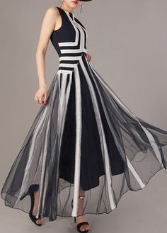Black and White Printed Sleeveless Maxi Dress