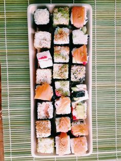 Rice Cube Sushi! Rice Cube, Asian Recipes, Ethnic Recipes, Asian Foods, Sushi, Cube Recipe, Cantonese Food, Taste Made, Cook At Home
