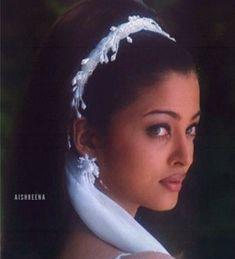 Aishwarya Movie, Aishwarya Rai Young, Aishwarya Rai Photo, Actress Aishwarya Rai, Aishwarya Rai Bachchan, Amitabh Bachchan, Beautiful Heroine, Most Beautiful Eyes, World Most Beautiful Woman