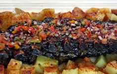Pechito de Cerdo Laqueado en Salsa de Tamarindo y Criolla Multicolor