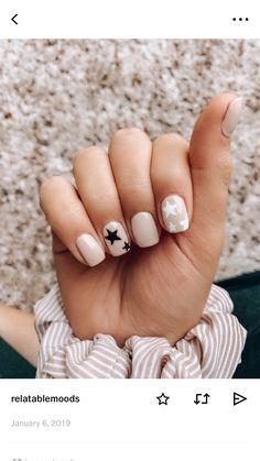 Love these nails! Such a fun theme Love these nails! Such a fun theme Summer Acrylic Nails, Best Acrylic Nails, Acrylic Nail Designs, Star Nail Designs, Pastel Nails, Summer Nails, Summer Nail Colors, Summer Nail Art, Blush Nails