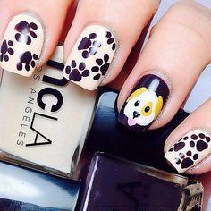 Little puppy paw print nails! Dog Nail Art, Animal Nail Art, Dog Nails, Cute Nail Art, Animal Nail Designs, Cool Nail Designs, Nails For Kids, Girls Nails, Paw Print Nails
