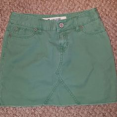 *REFUCED* Cute Gap Cotton Mini Skirt New without tags ~ Size 0 100% cotton green Gap Skirt. Light and comfy material GAP Skirts Mini