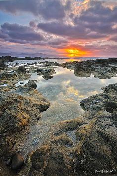 Reflejos en el Confital (Gran Canaria) by David Hdez. , via Flickr