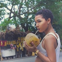 Short hair for a natural afro style Natural Hair Cuts, Natural Hair Journey, Natural Hair Styles, Natural Eyes, Natural Women, Natural Beauty, Big Chop Hairstyles, Twa Hairstyles, Daily Hairstyles